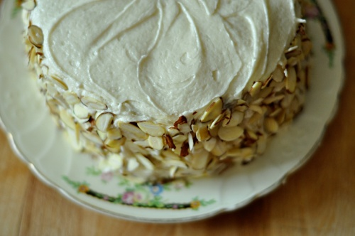 almond cake 4