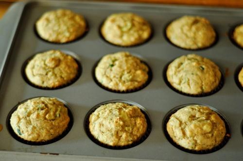 zucchini muffins 4