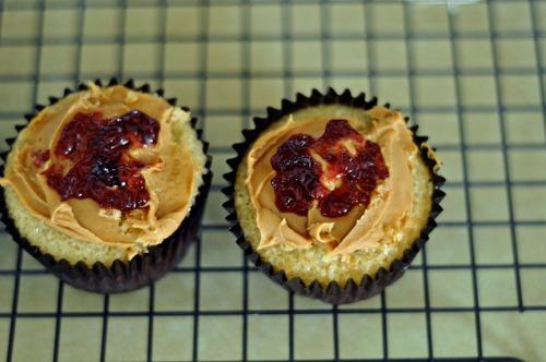 pbj cupcakes 1