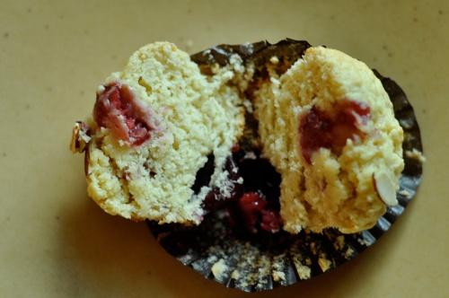 almond muffins 4